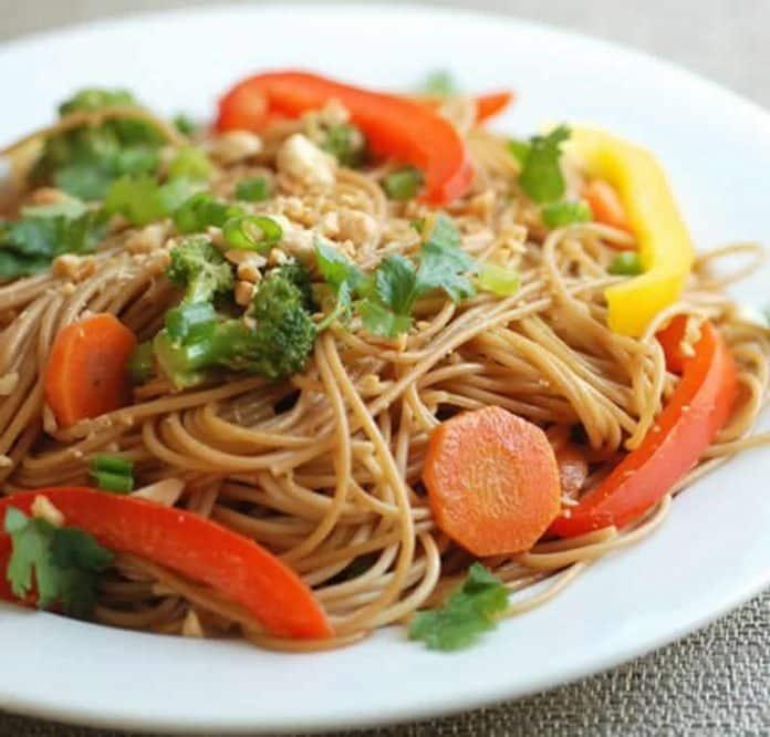 Nouilles sautées avec légumes au cookeo