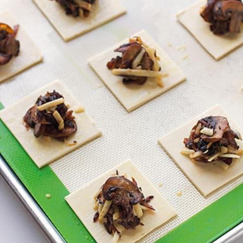 Bouchées aux champignons et oignons 1