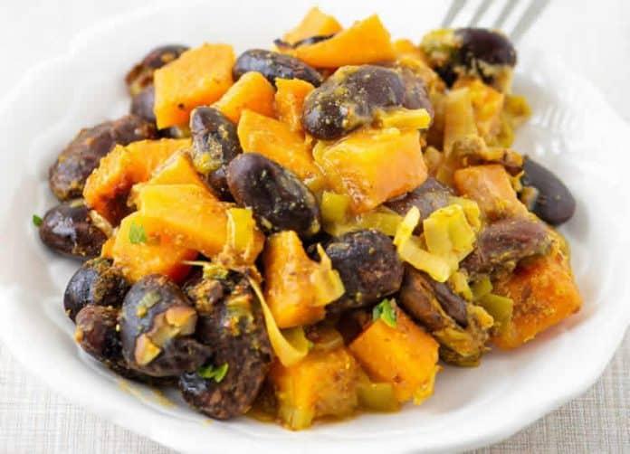 Patate douce et haricots au curry
