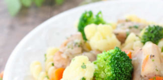 Poulet aux brocoli chou-fleur et carottes