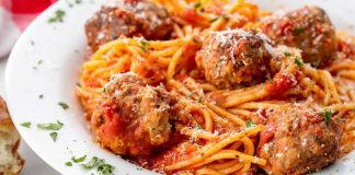 Spaghetti aux boulettes et tomates au cookeo