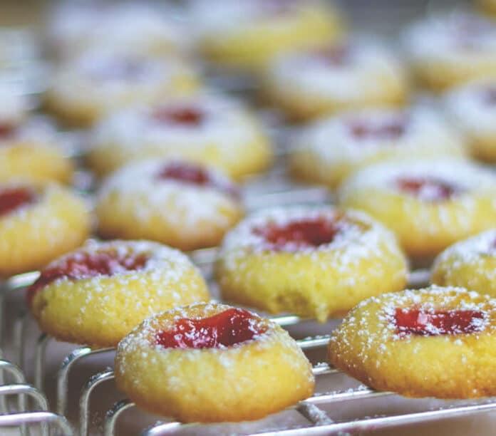 Biscuits à la confiture de fraise
