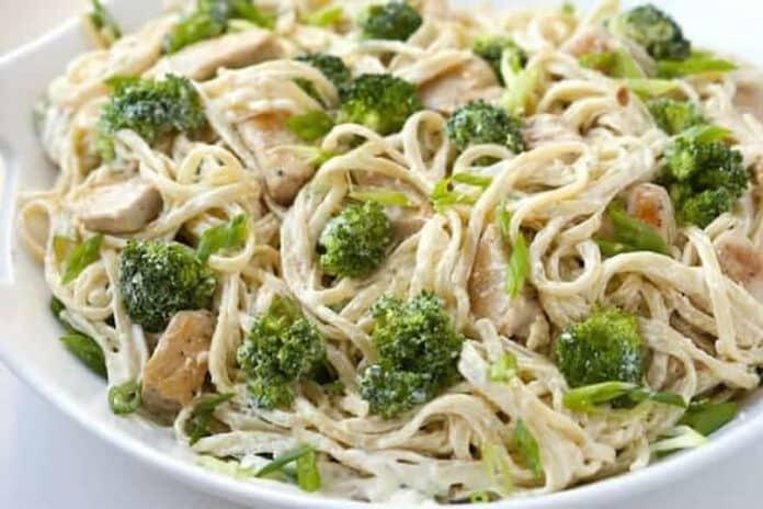 Spaghettis poulet et brocoli au cookeo