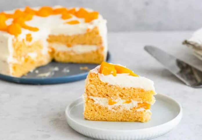 Gâteau à la crème et à la mangue