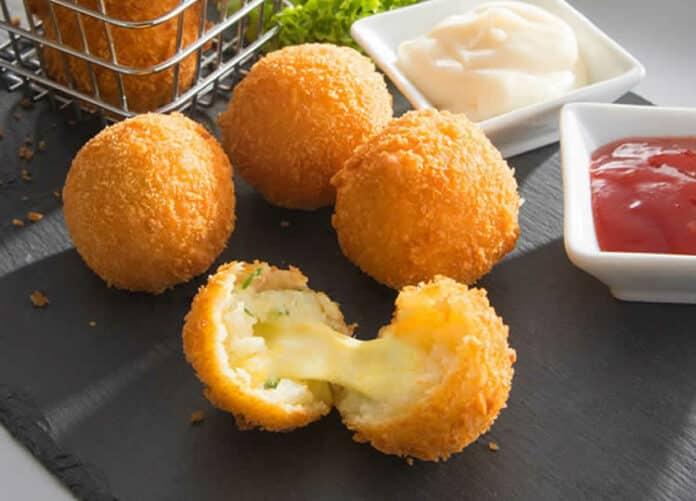 Boulettes de pommes de terre au fromage