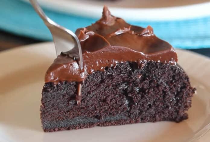 Cake chocolat moelleux avec glaçage