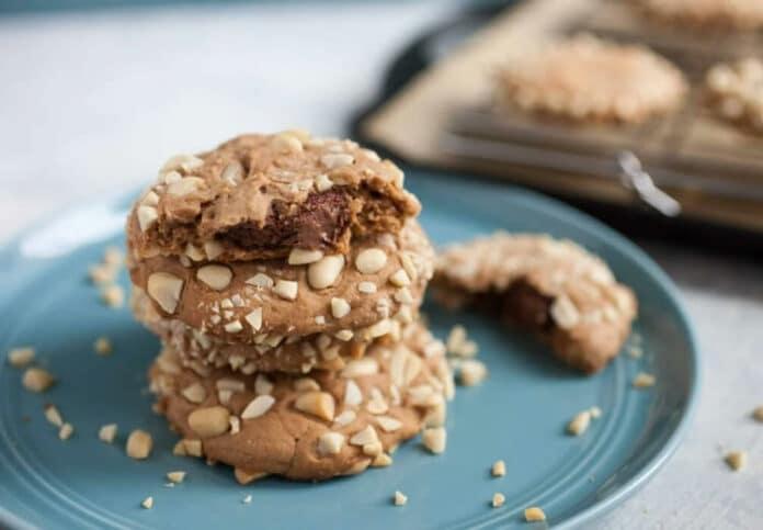 Cookies aux amandes fourrés de nutella
