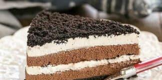 Gâteau mousse chocolat et crème fouettée