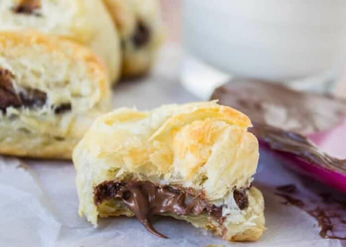 Gâteau fourré au chocolat nutella