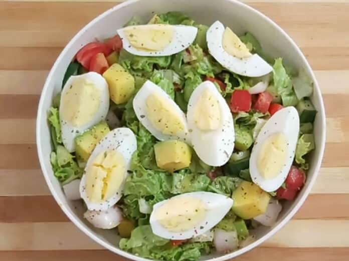 Salade aux œufs et à l'avocat