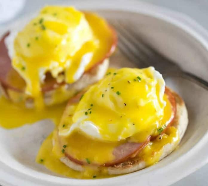 Sandwiche aux œufs à l'anglaise
